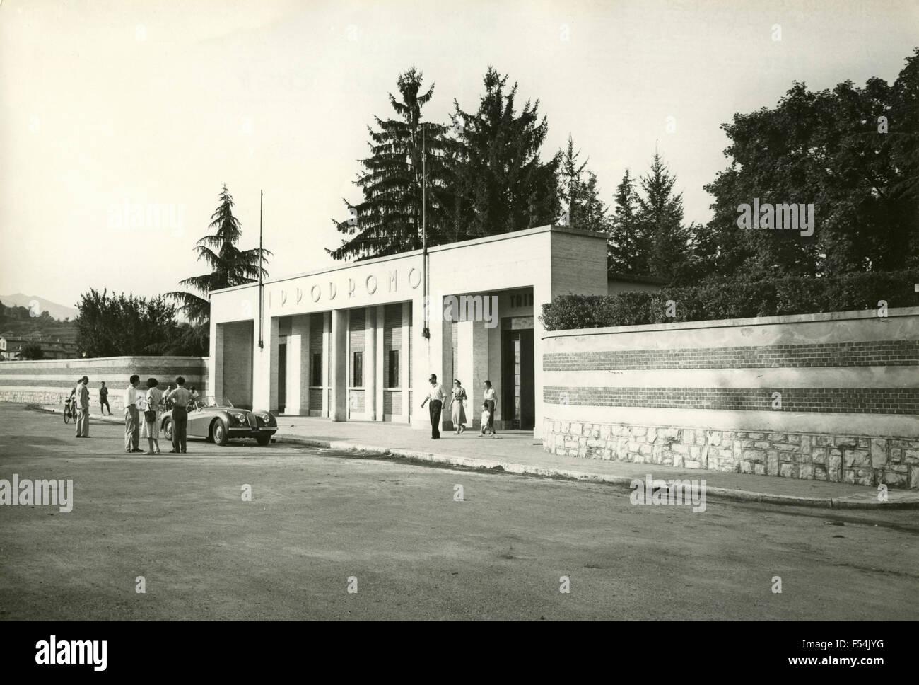 La entrada al hipódromo Bettole, Varese, Italia Imagen De Stock