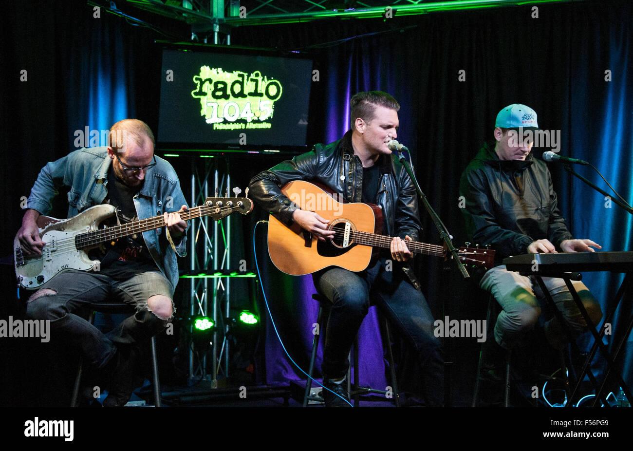 Bala Cynwyd, Pennsylvania, Estados Unidos. 28 de octubre de 2015. Banda estadounidense de rock alternativo Guerra Imagen De Stock