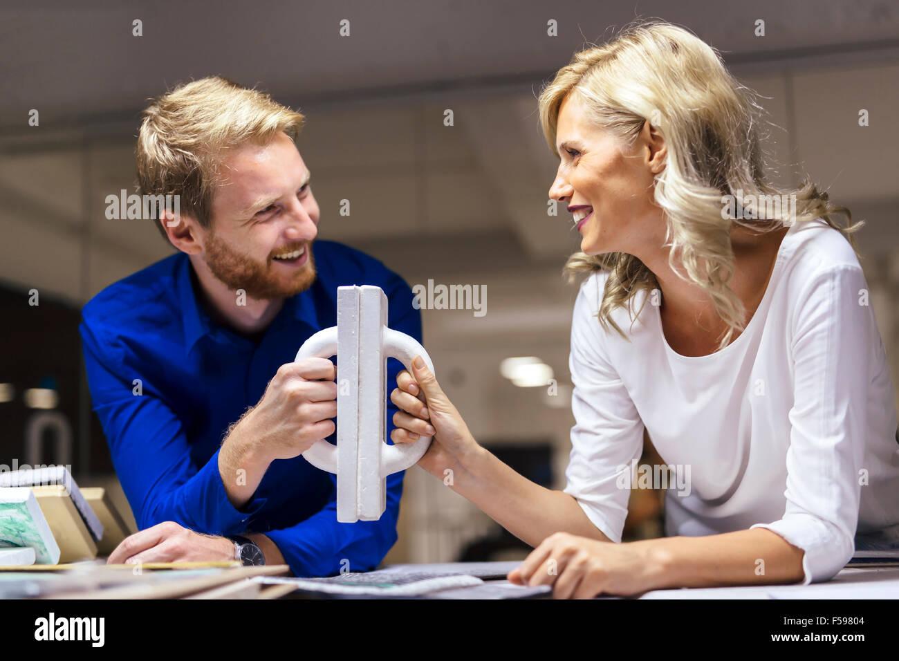 Colaboración y determinación lleva al éxito Imagen De Stock