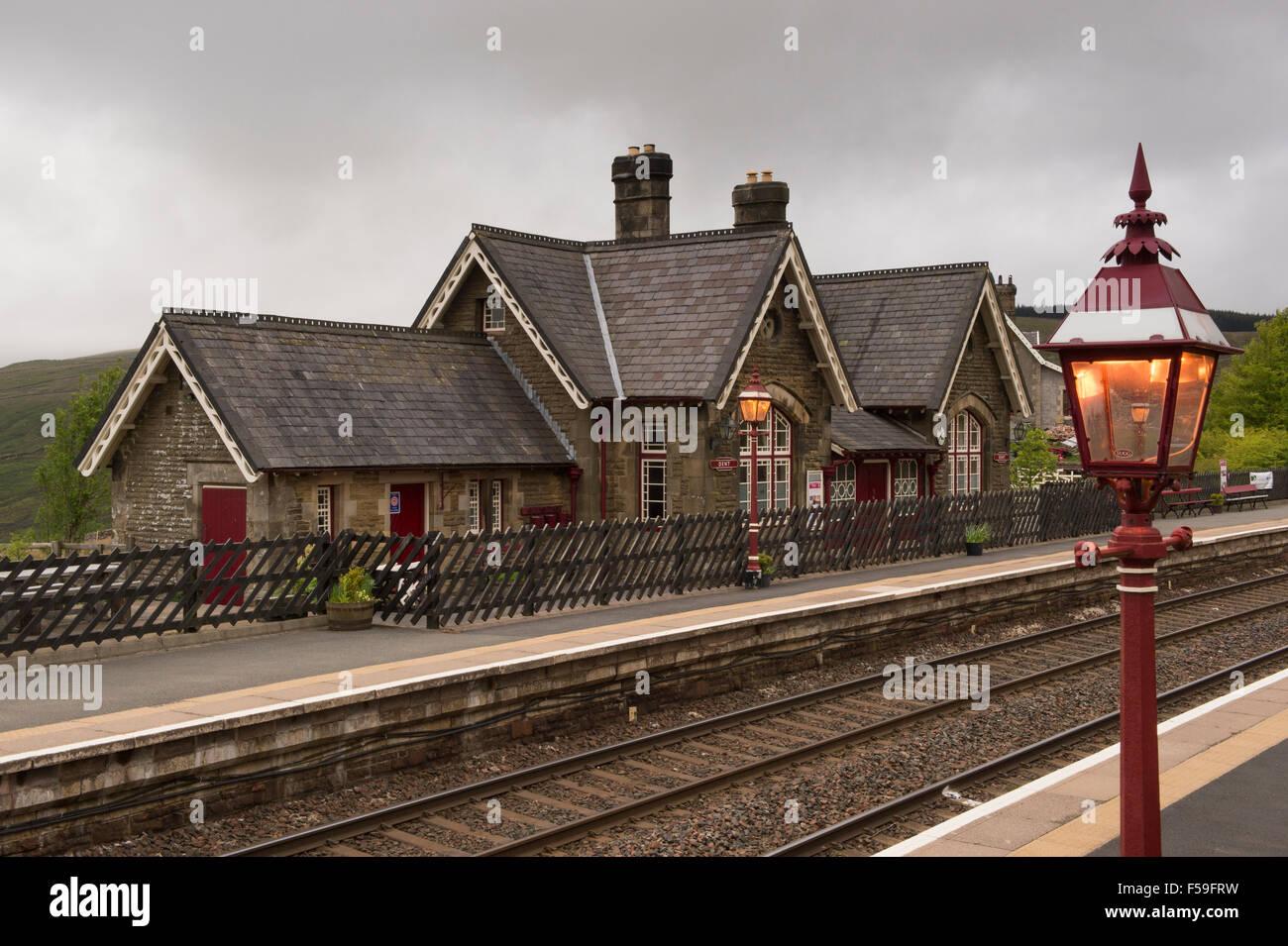 8 Ribblehead Settle /& Carlisle Line. Garsdale Dent Railway Station Photo