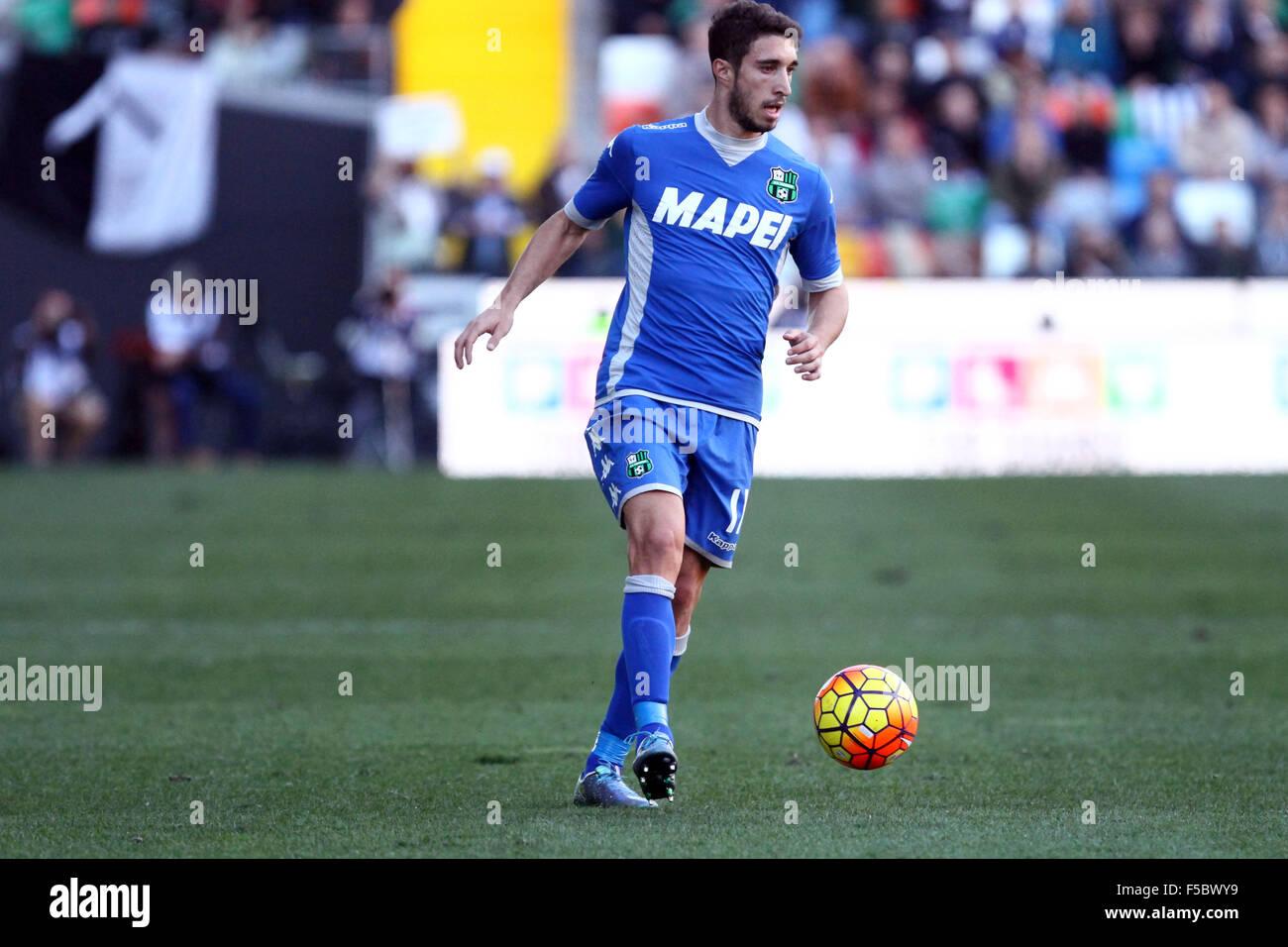 db45da4b95b53 1 de noviembre de 2015. Sassuolo defensor del Sime Vrsaljko controla el balón  durante el partido de fútbol de la Serie A italiana entre el Udinese Calcio  v ...
