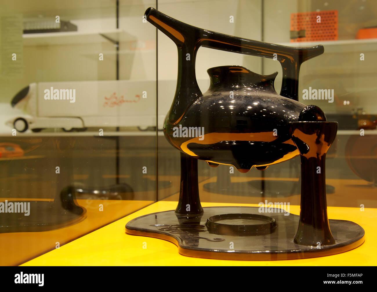 Diseños por Luigi Colani muestra en la nueva exposición 'Demo, Derrick, Discofieber - Die siebziger Imagen De Stock