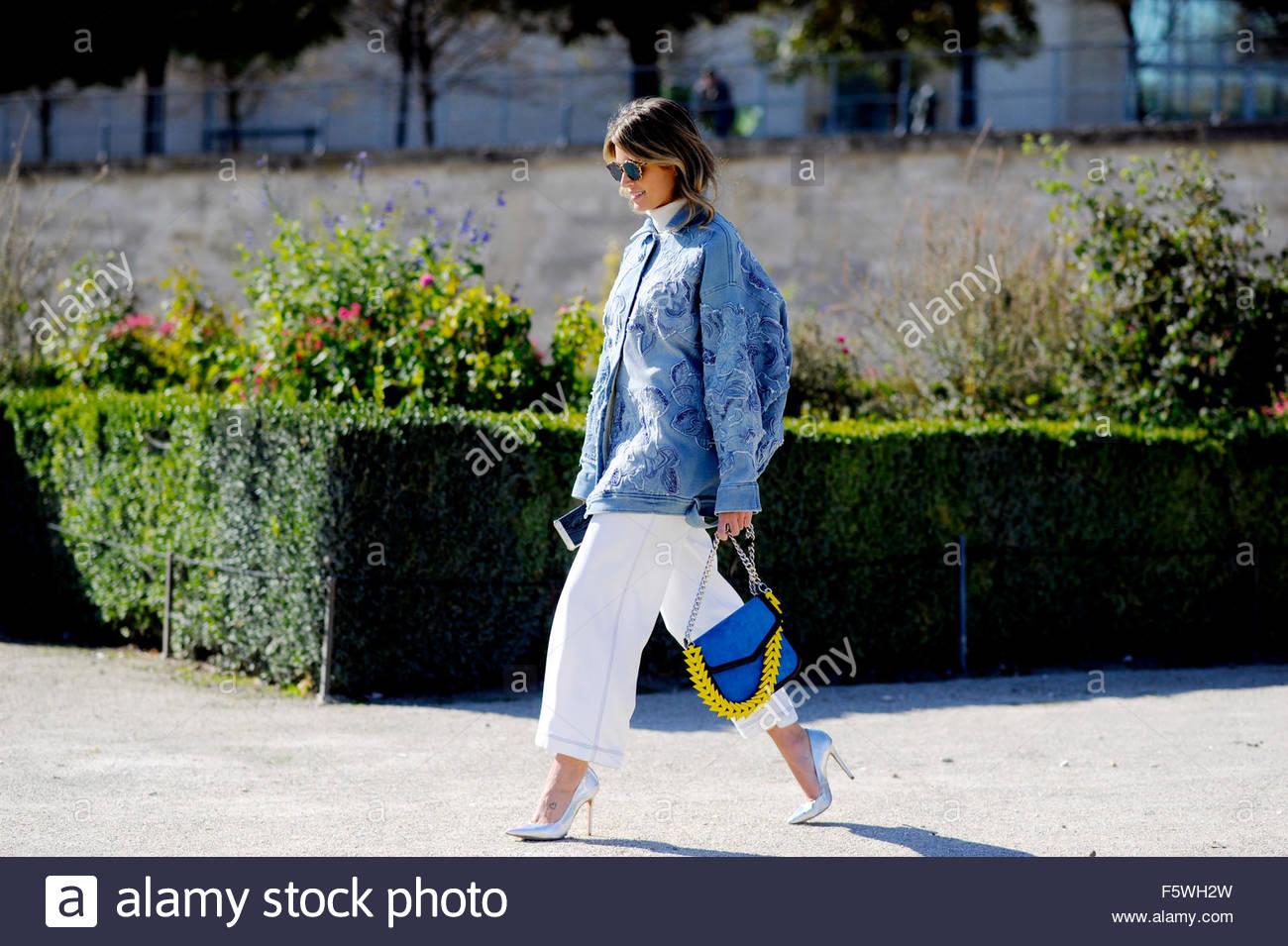 fd23733c Elena Bordon llegada de Issey Miyake dispuestas para vestir Fashion show en  el Jardin des Tuileries