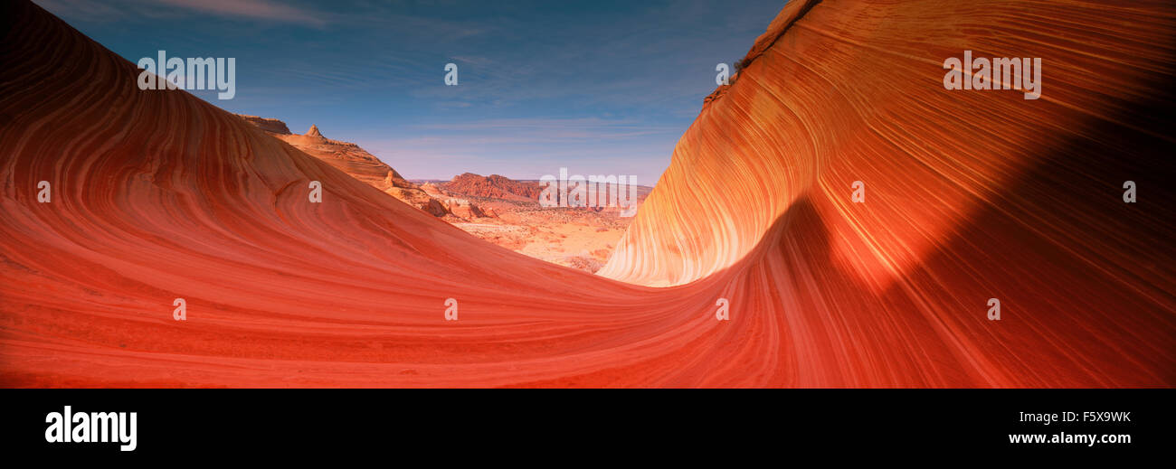 Panorámicas de pintorescos acantilados Vermillion en Paria Canyon desierto de Arizona al amanecer Imagen De Stock