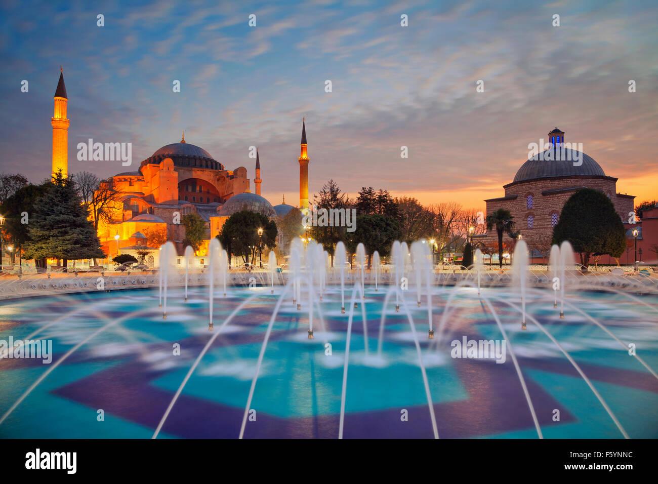 Estambul. Imagen de Santa Sofía en Estambul, Turquía. Imagen De Stock