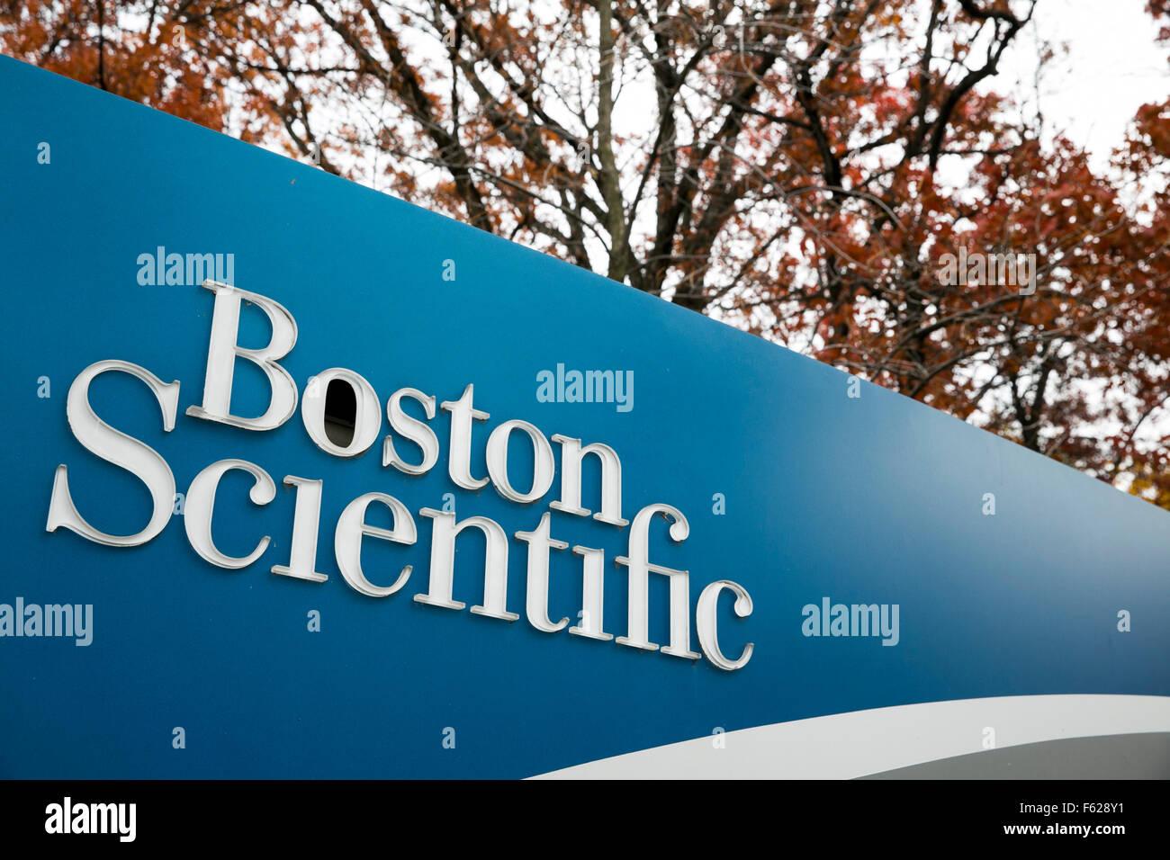 Un logotipo cartel fuera de una instalación ocupada por el Boston Scientific Corporation en Arden Hills, Minnesota, Imagen De Stock