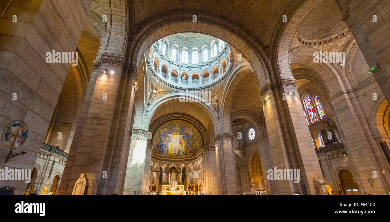 Arcos interiores de la basílica del Sacré Coeur, Montmartre, París Ile-de-France, Francia Foto de stock