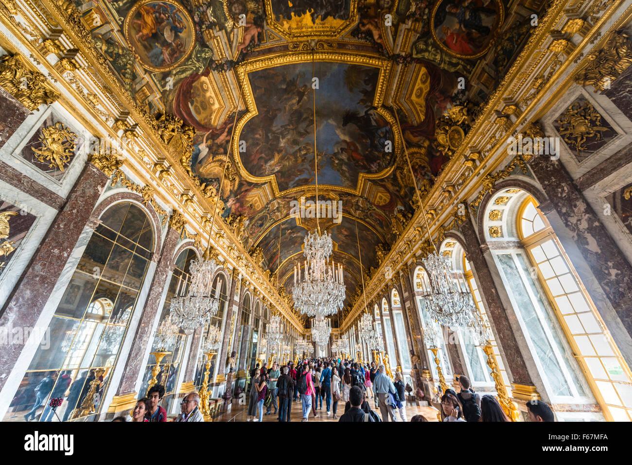 Salón de los espejos, Versalles, Sitio del Patrimonio Mundial de la UNESCO, Yvelines, la Región Ile-de-France, Francia Foto de stock