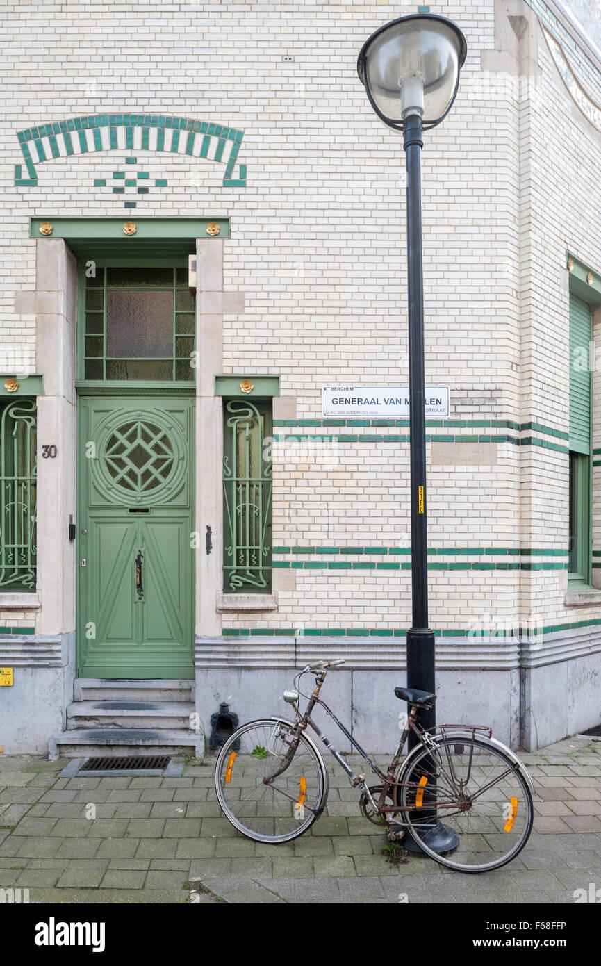 Bélgica, Amberes, Zurenborg, Generaal Van Merlenstraat 30 - Lente Imagen De Stock