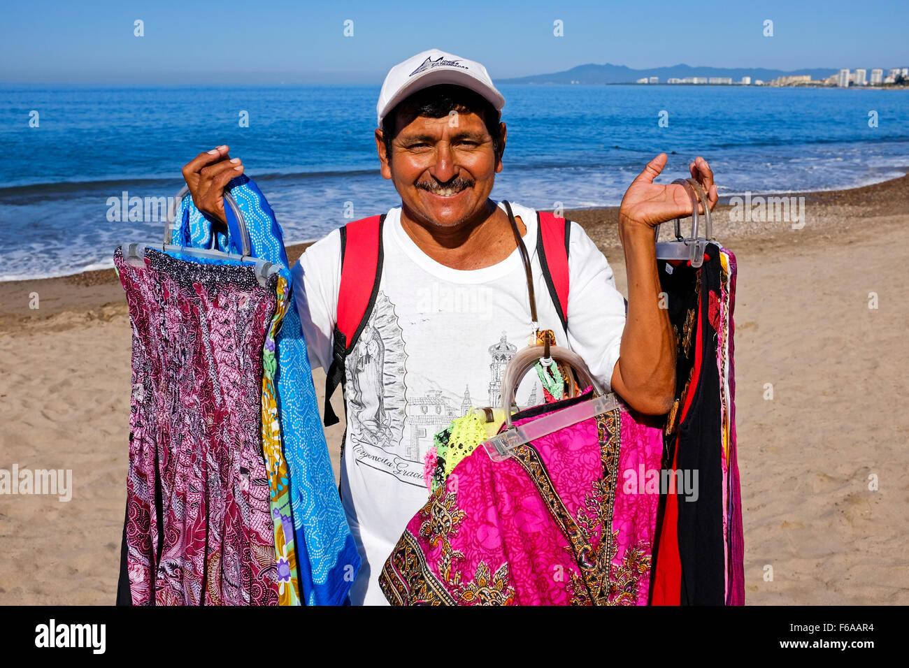 Hombre Venta De Vestidos Y Otras Prendas De Vestir En La
