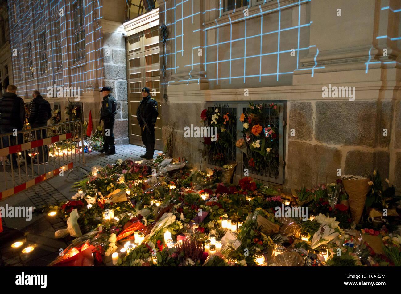 Copenhague, Dinamarca, 15 de noviembre de 2015. Miles de personas en Copenhague mostrar su solidaridad y simpatía Imagen De Stock