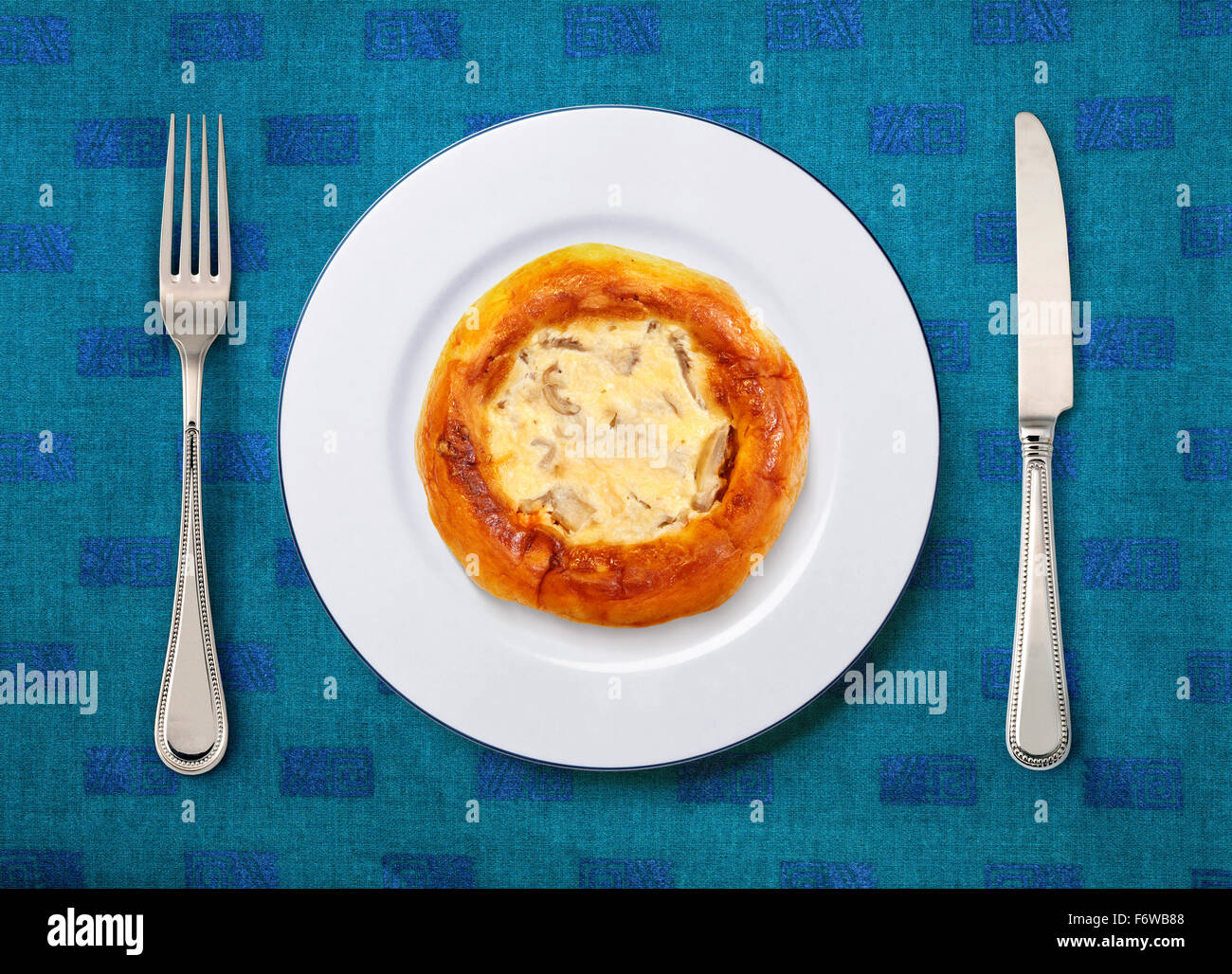 Livelihood im genes de stock livelihood fotos de stock for Tenedor y cuchillo en la mesa