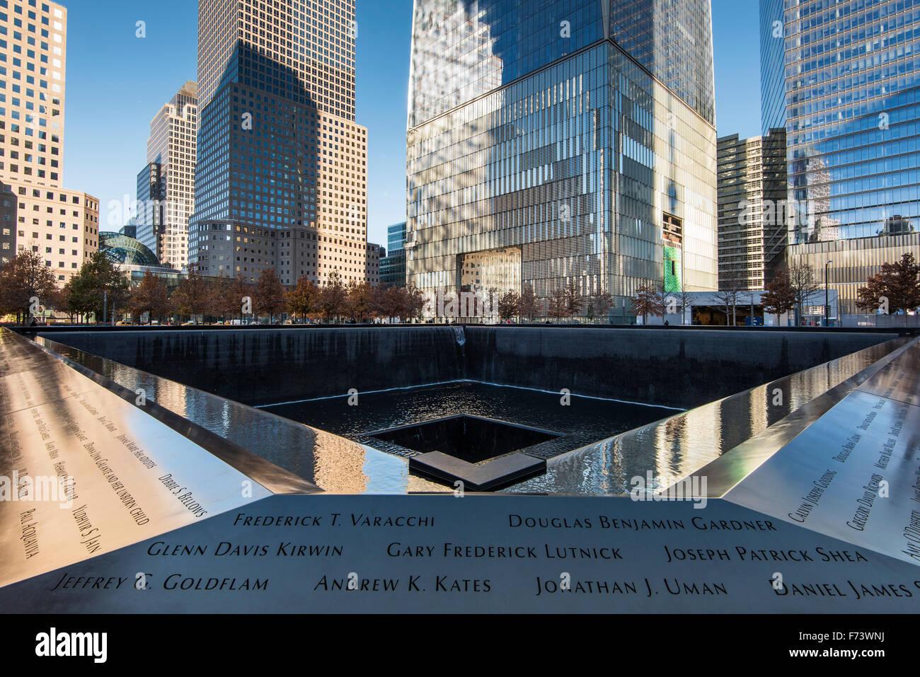 Norte de piscina, Nacional y Museo Memorial del 11 de septiembre, Lower Manhattan, Nueva York, EE.UU. Foto de stock