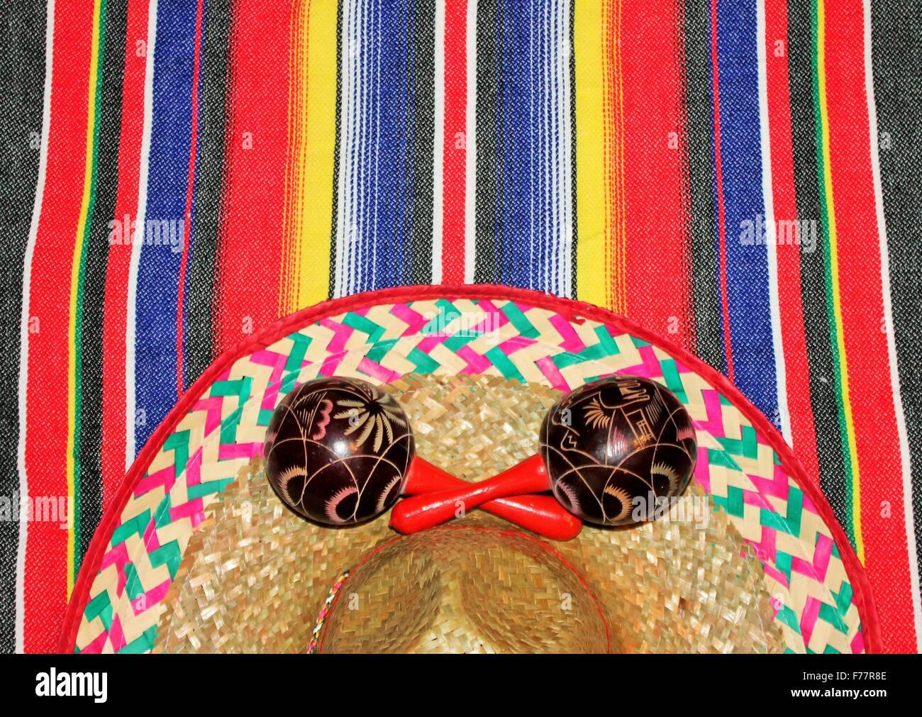 Fiesta del Poncho Poncho banda serape maracas sombrero antecedentes Imagen  De Stock 7ea8468cc79