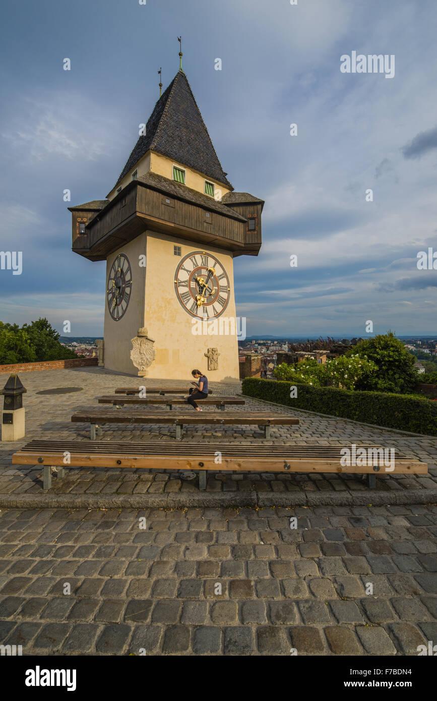 Graz, la construcción, la torre del reloj Uhrturm, Austria, Estiria Imagen De Stock