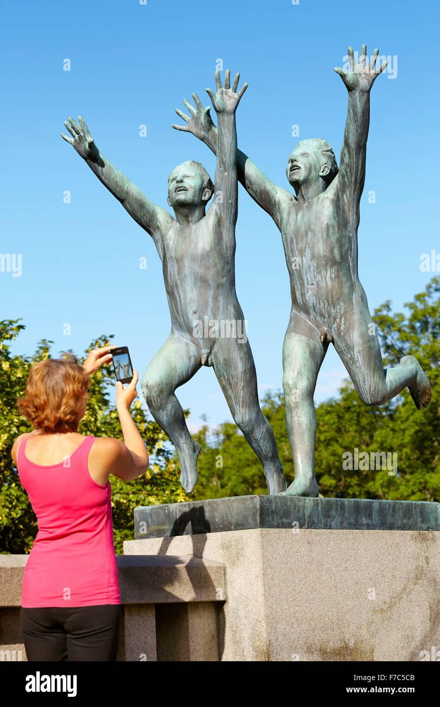Parque de Esculturas Vigeland, Vigelandsparken, Oslo, Noruega Imagen De Stock