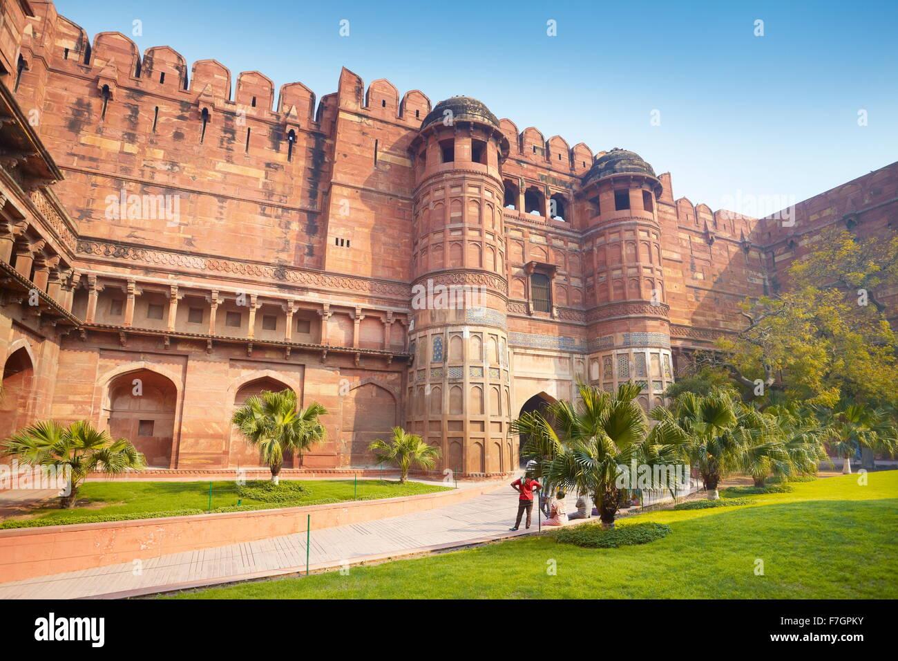 Agra Fuerte Rojo - El Amar Singh puerta fortificada, la puerta de entrada principal, Agra, India Imagen De Stock
