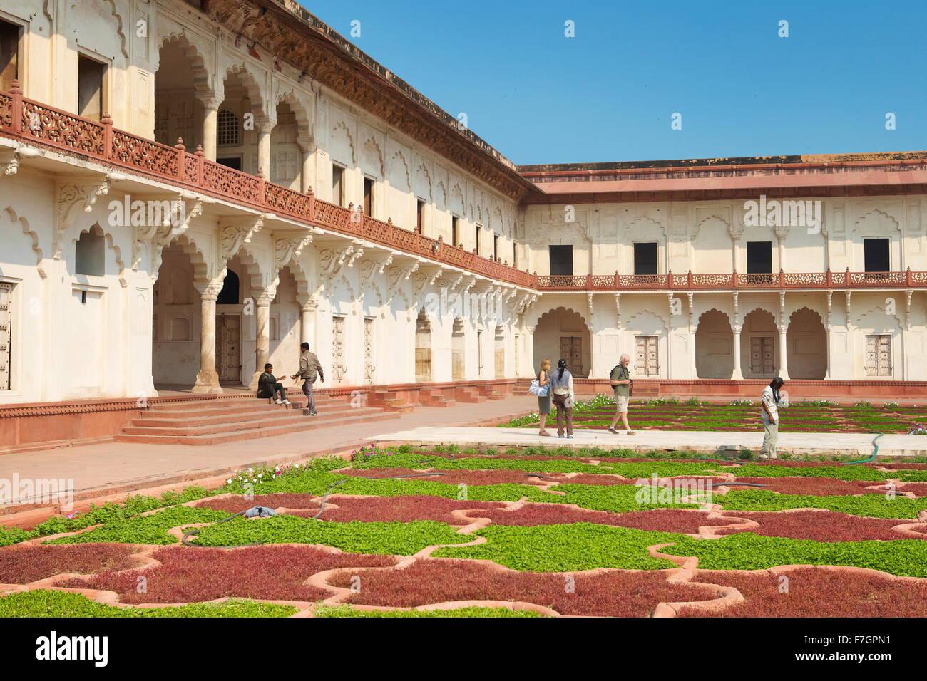 Fuerte Rojo, Agra - Anguri Bagh jardines, Agra, India Imagen De Stock
