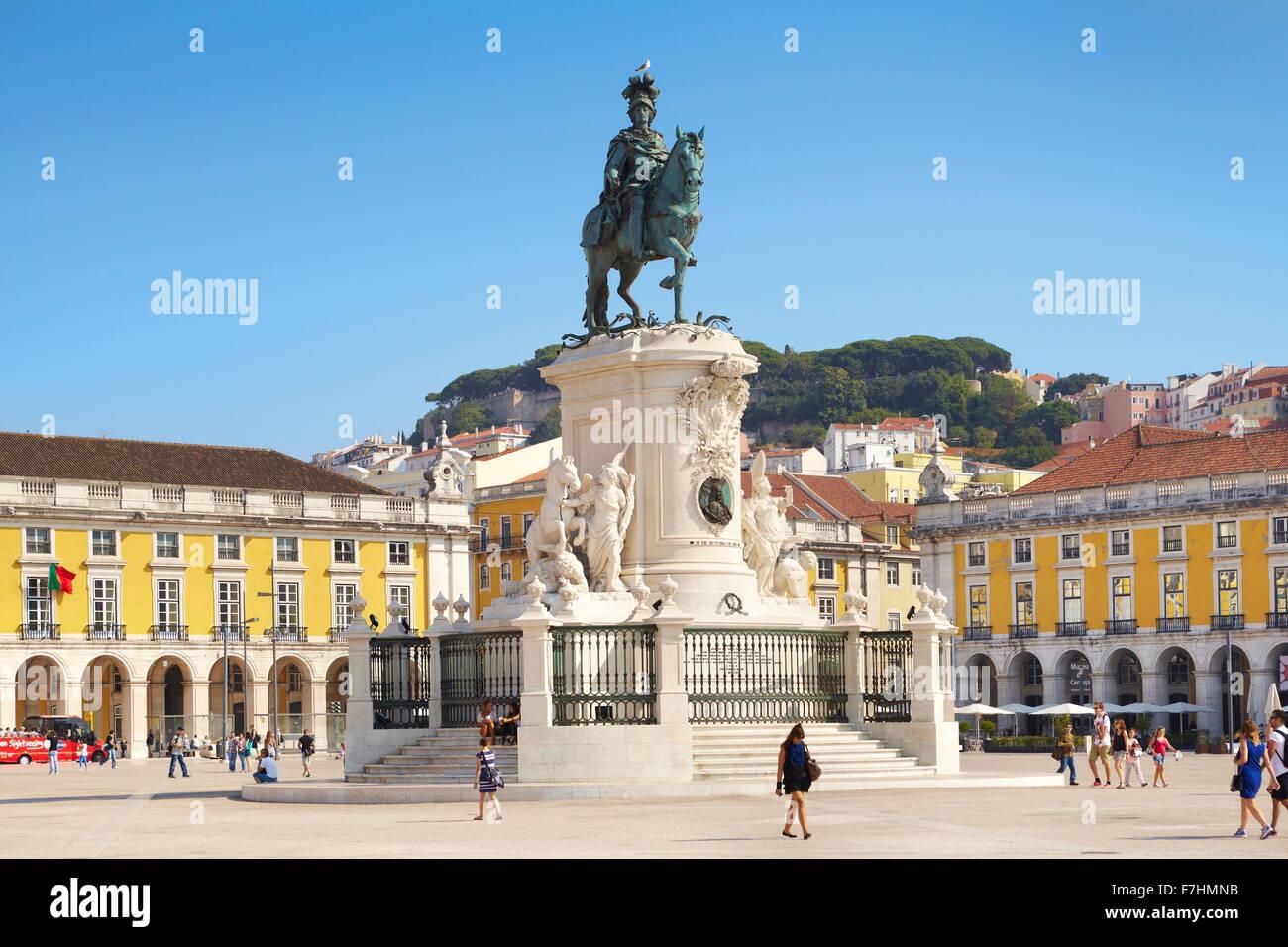 Commerce Square (Praca do Comercio), el monumento del rey José I, Lisboa, Portugal Imagen De Stock