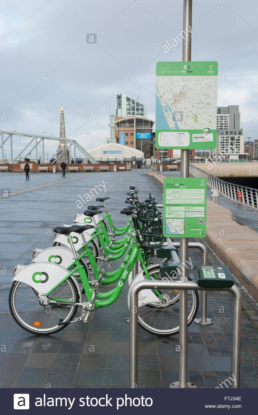 La ciudad de Liverpool en el Reino Unido un sistema de repartición de ciclo de bicicletas. Imagen De Stock
