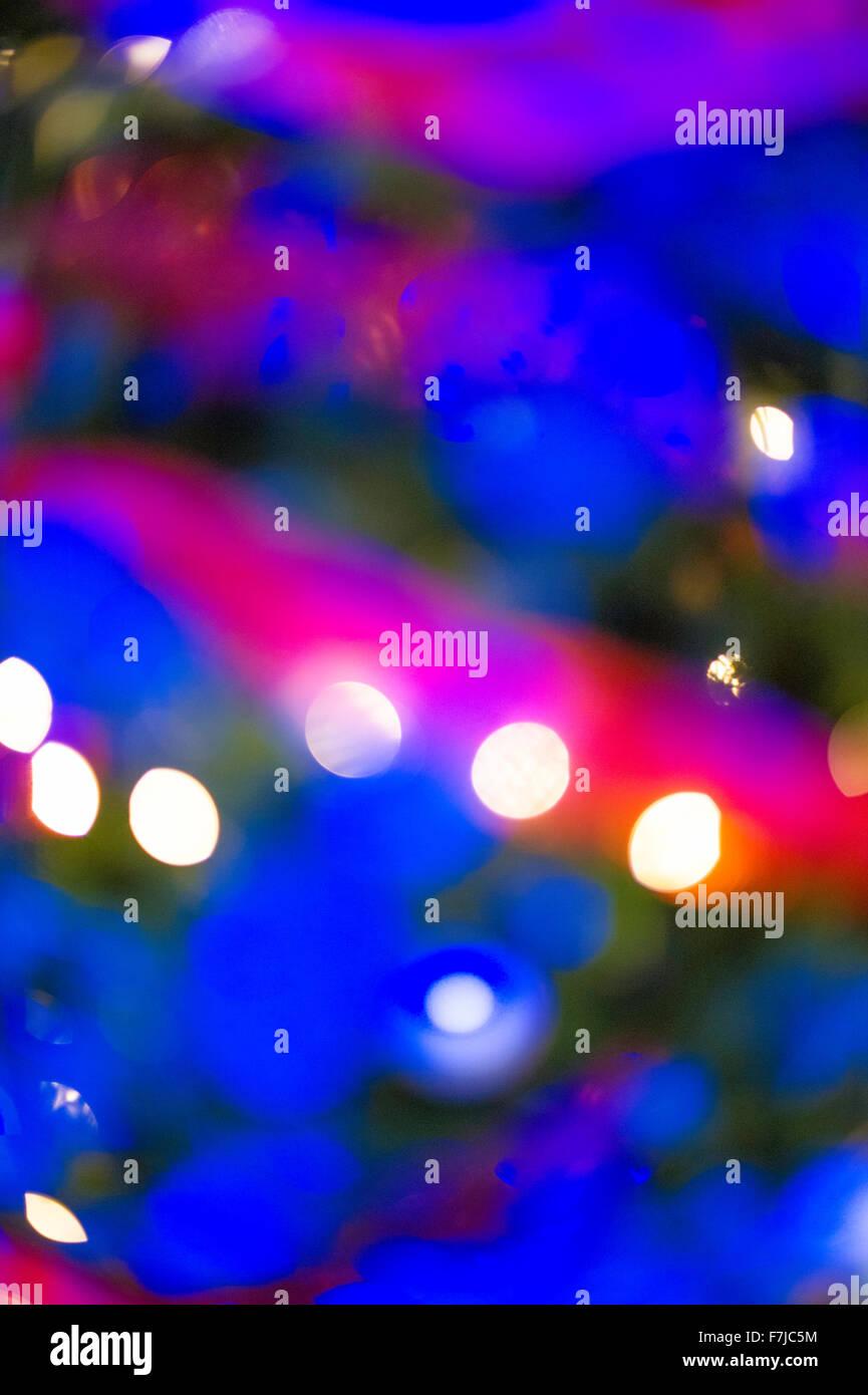 Árbol de navidad con luces Imagen De Stock
