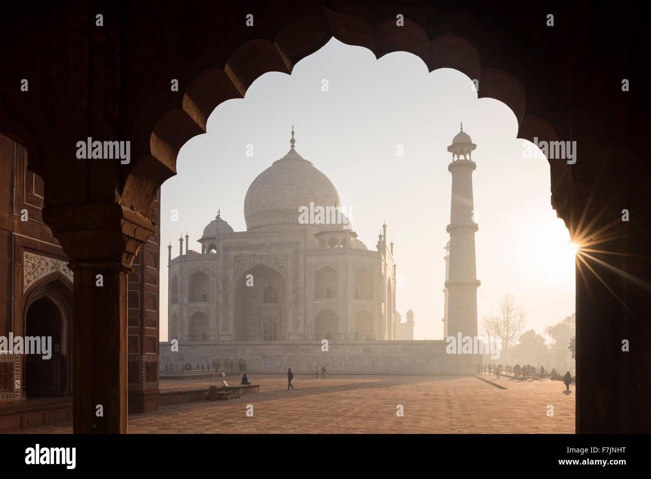 Amanecer en el Taj Mahal, Agra, Uttar Pradesh, India Imagen De Stock