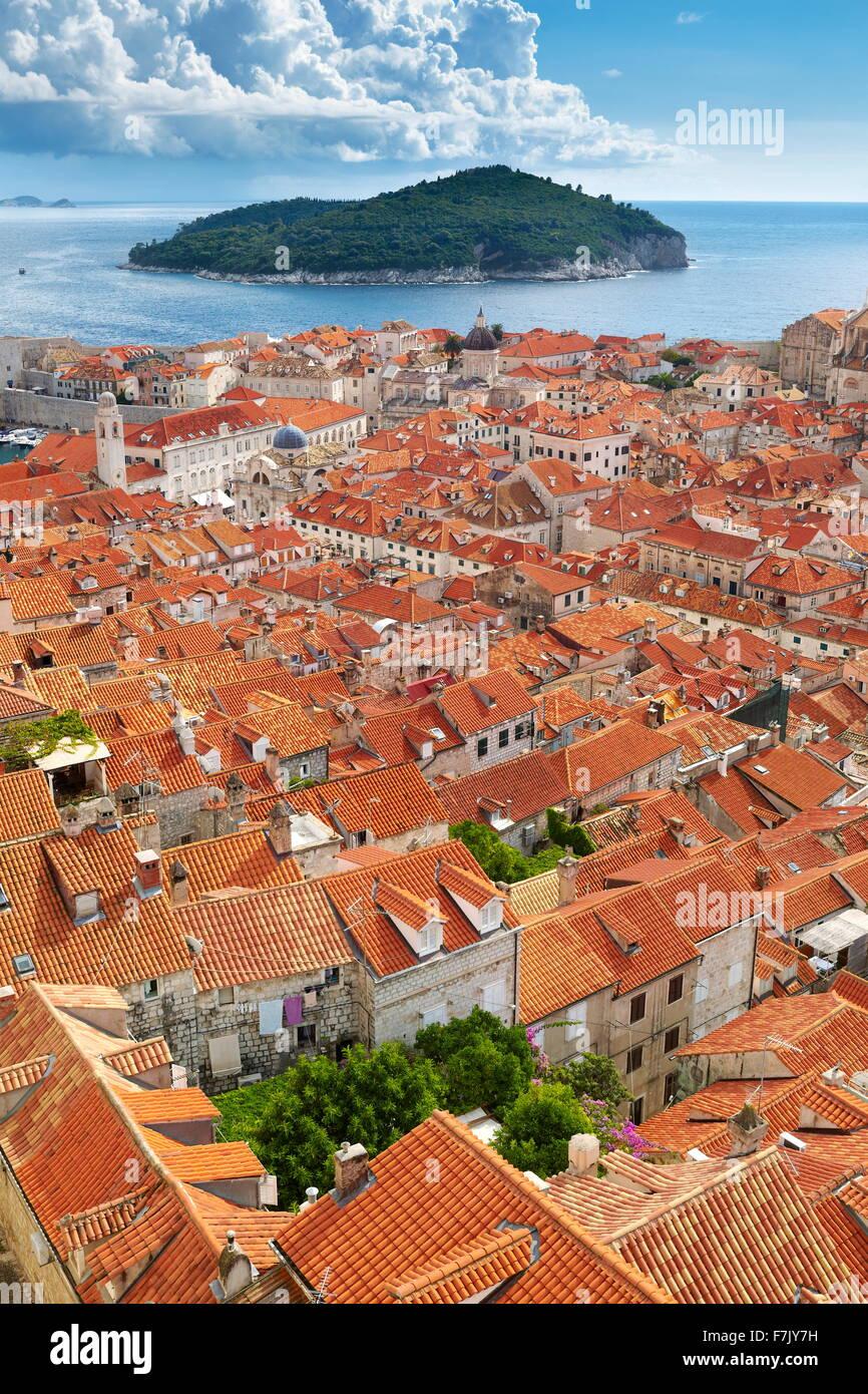 Casco antiguo de Dubrovnik, elevada vista desde las murallas de la ciudad, Croacia Imagen De Stock