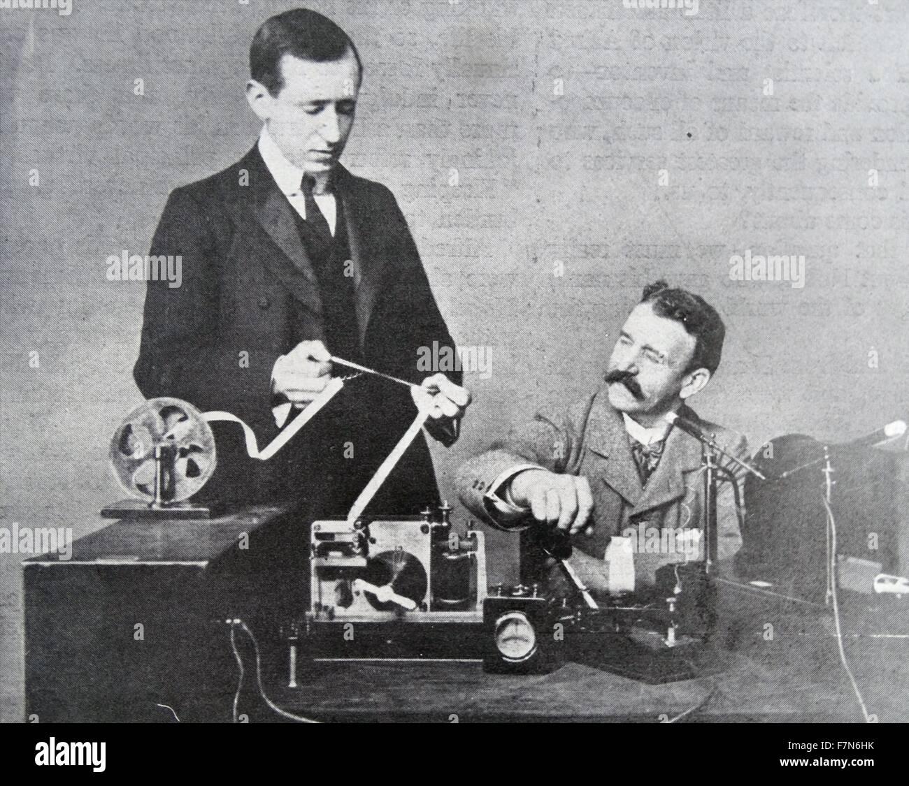 Marconi aparato operativo similar al utilizado por él para transmitir la primera señal inalámbrica Imagen De Stock