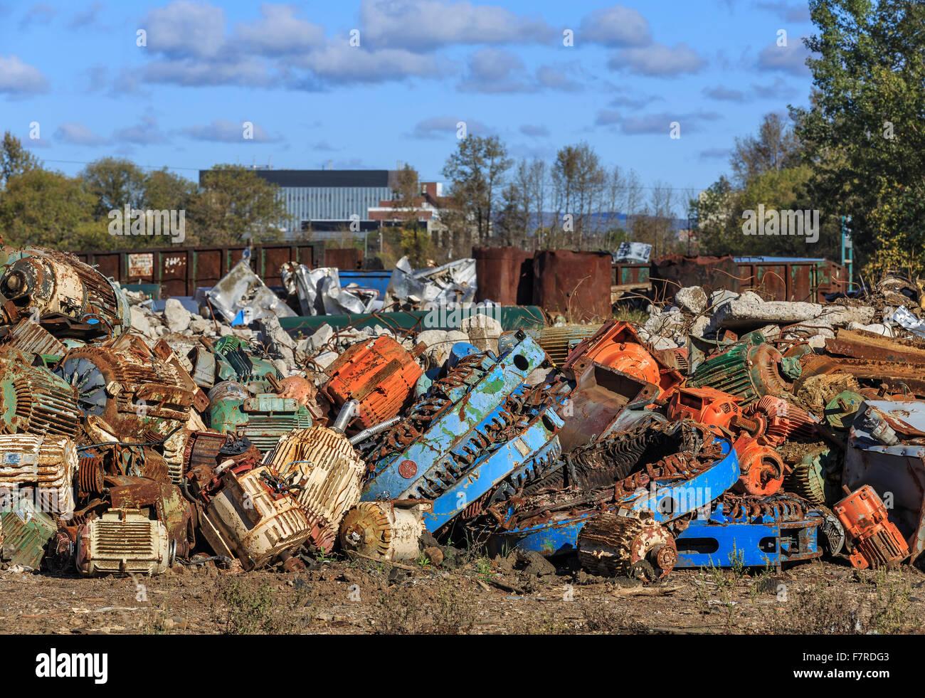 Montón de chatarra de metal reciclado, Thunder Bay, Ontario, Canadá. Imagen De Stock