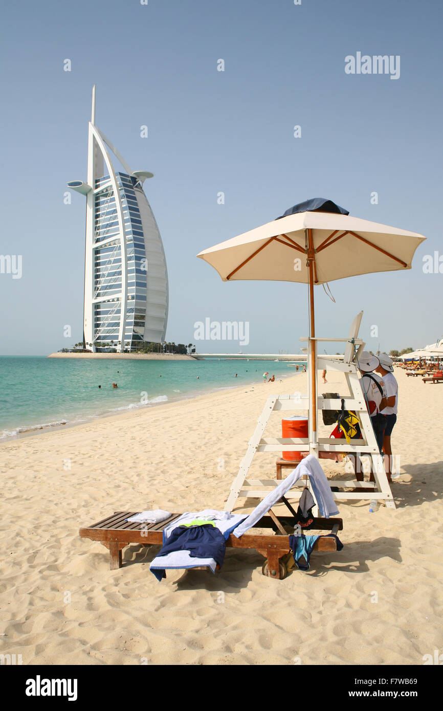 El Burj Al Arab, Dubai, Emiratos Árabes Unidos. Imagen De Stock