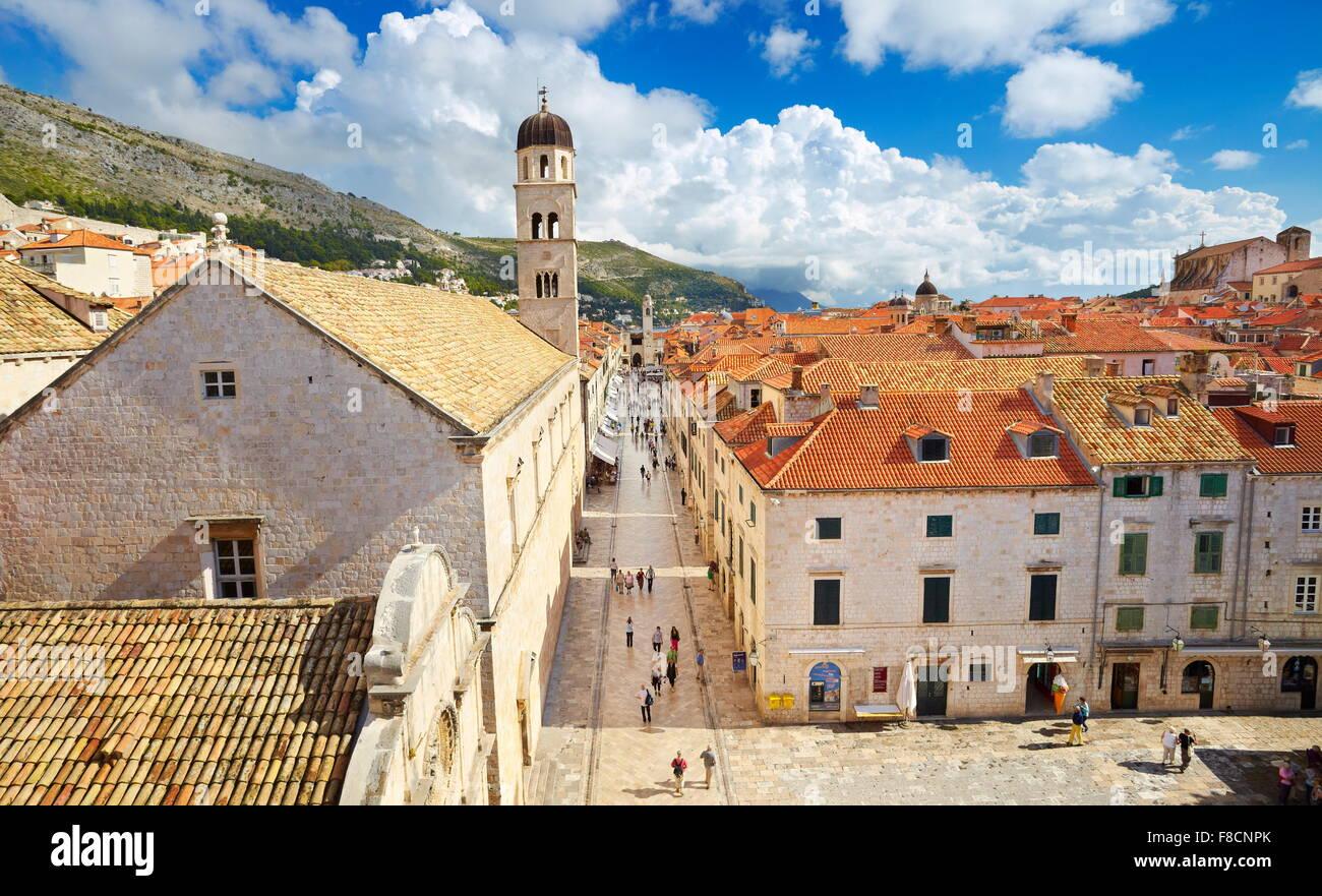 Dubrovnik, Stradun, calle principal lugar en el casco antiguo de Dubrovnik, Croacia Imagen De Stock