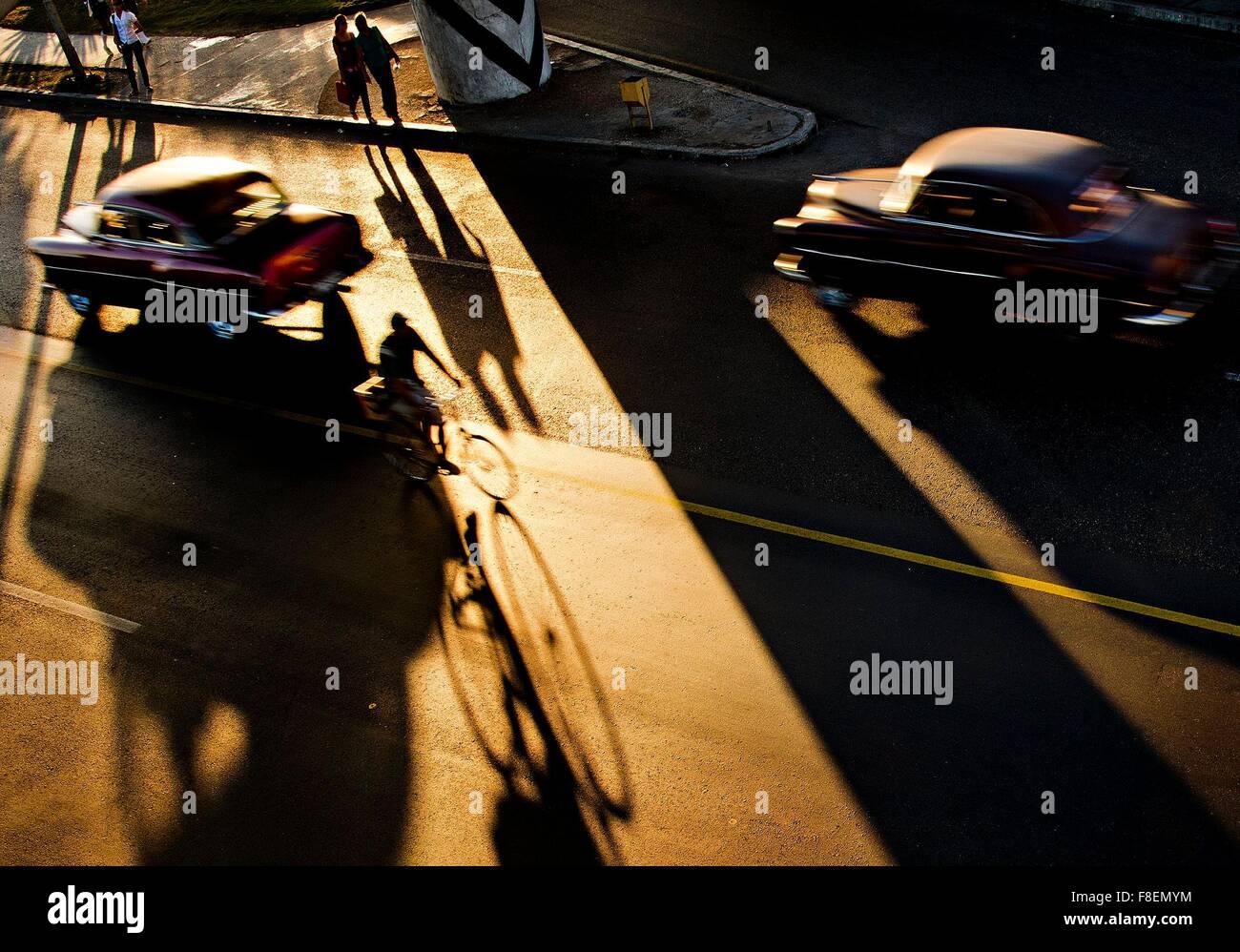 La Habana, Cuba. 26 Feb, 2015. Miles de veteranos estadounidenses van los coches por las calles de La Habana, Cuba, Imagen De Stock