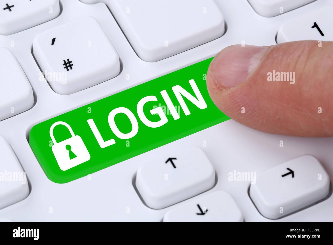 Enviar la contraseña de inicio de sesión con el registro en línea en internet Imagen De Stock
