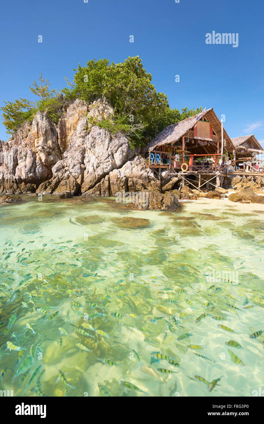 Tailandia - playa tropical en la isla de Khai, Phang Nga Bay Foto de stock