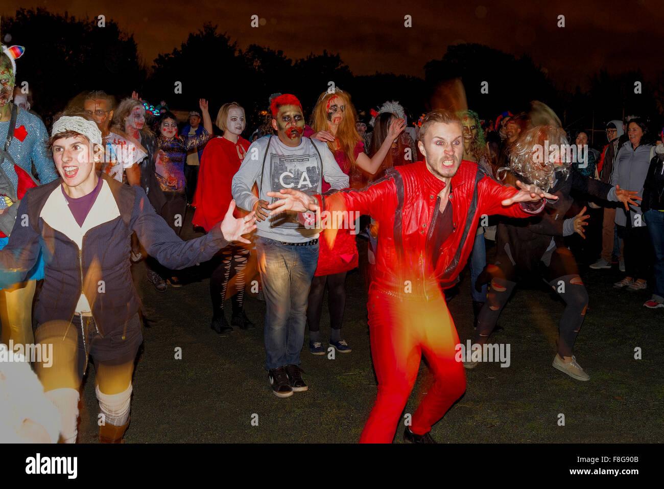 Zombie, thriller, flashmob danza. Desfile de las almas perdidas Festival 2014, barrio Commercial Drive, Vancouver, Imagen De Stock