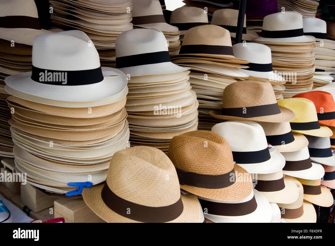 Sombreros De Panama Imágenes De Stock   Sombreros De Panama Fotos De ... 61a716f67f5