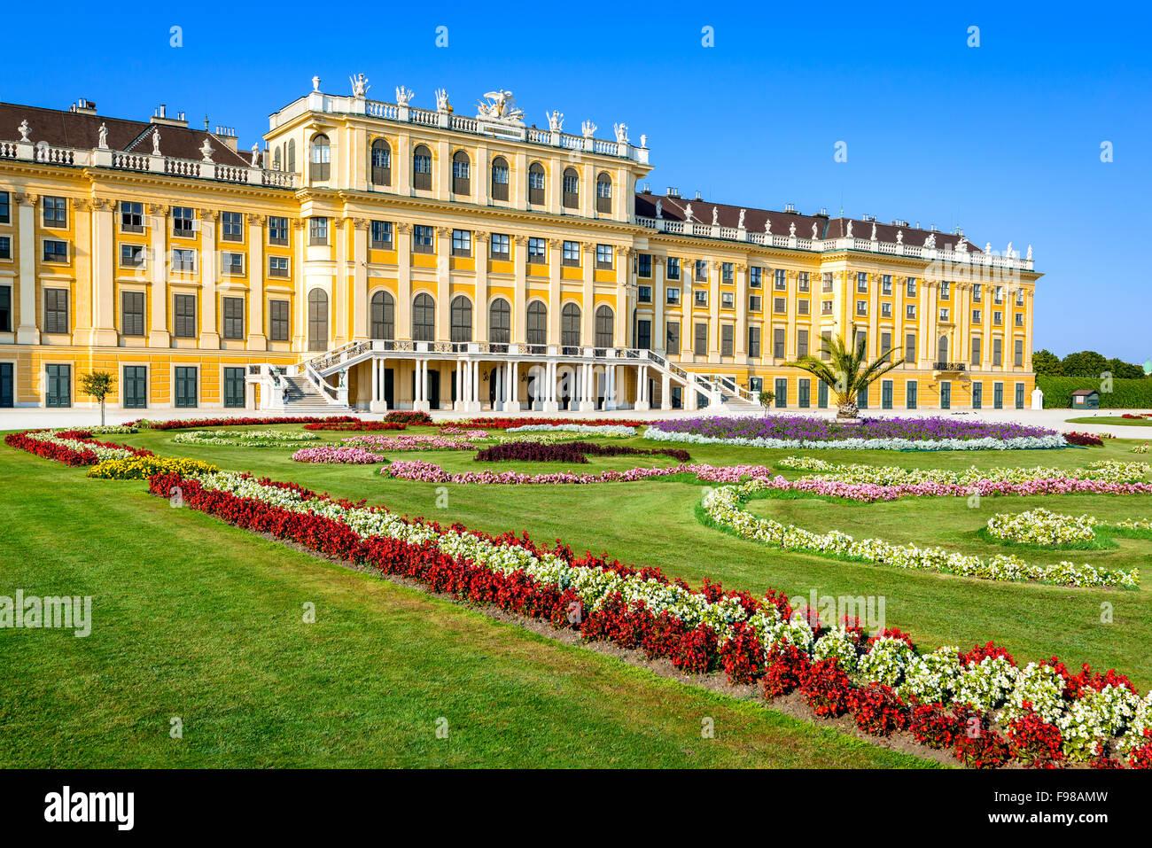Austria. Palacio de Schonbrunn en Viena. Es un antiguo imperial 1.441-habitación rococó moderna residencia Imagen De Stock