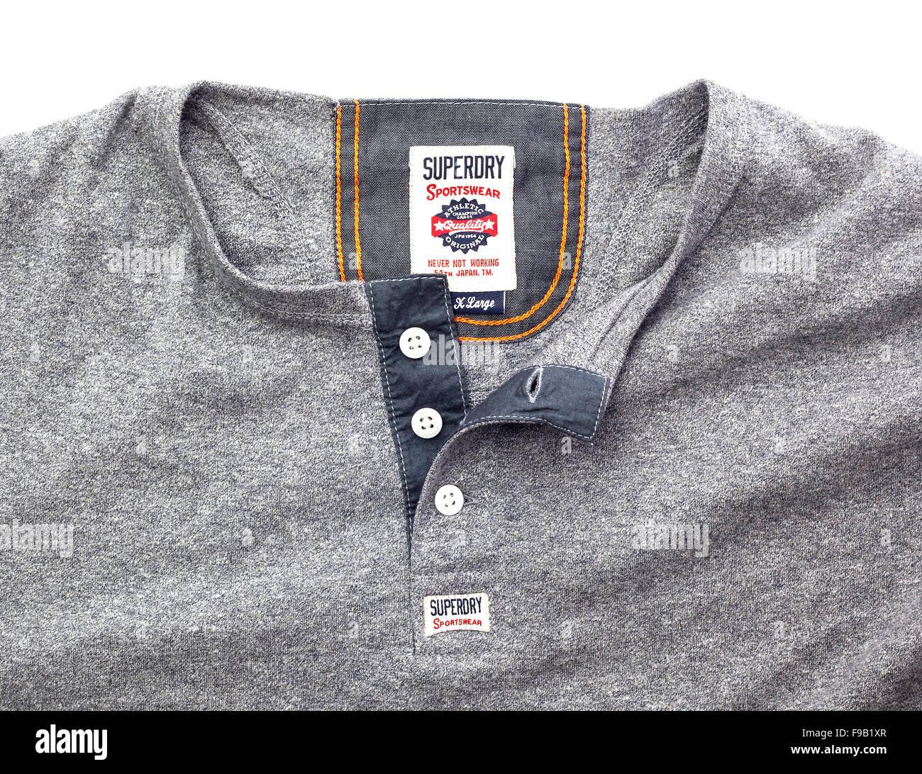Superdry Sportswear mostrar logotipo sobre un fondo blanco. Imagen De Stock