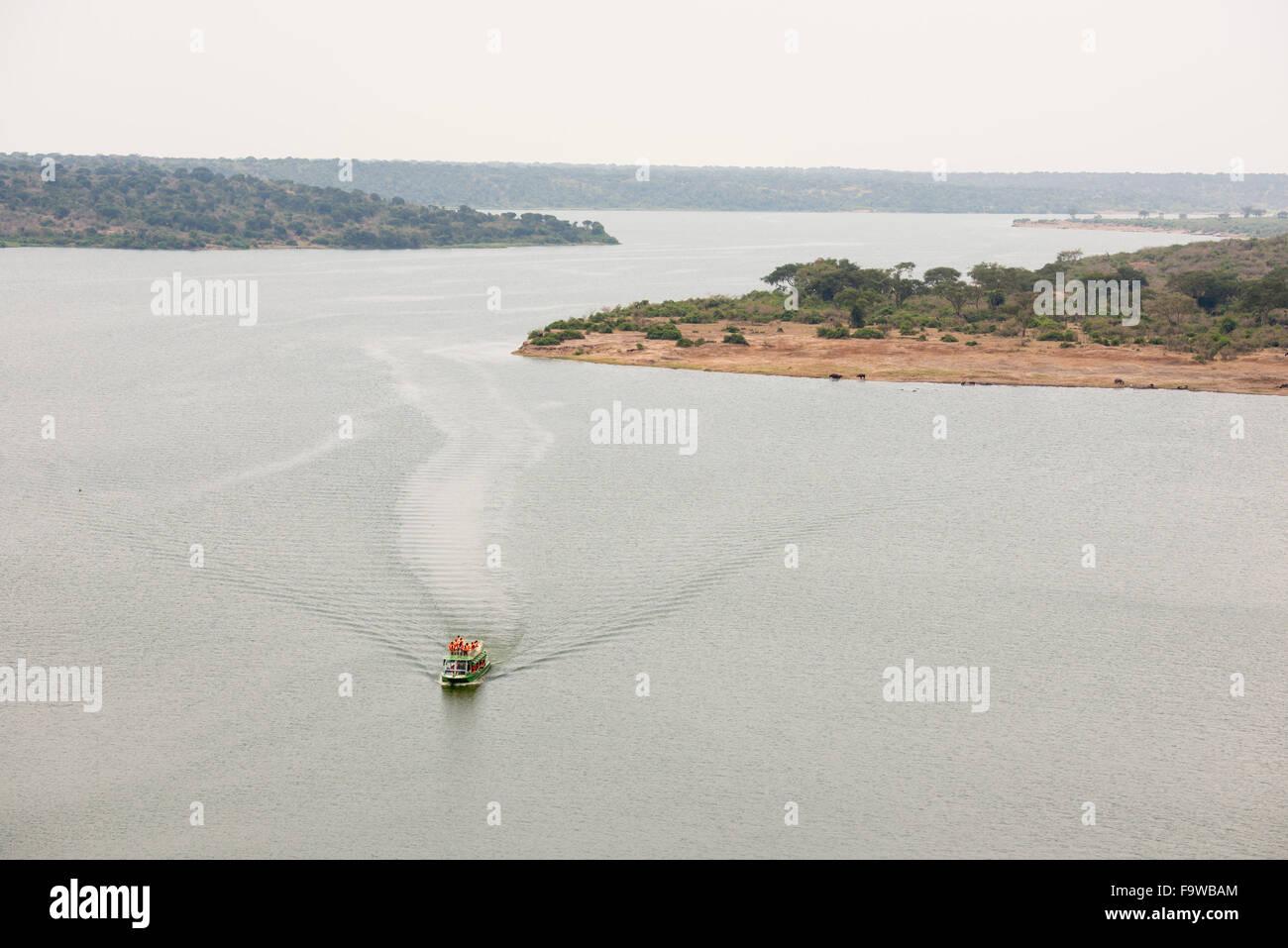 Viaje en barco por el canal Kazinga, el Parque Nacional Queen Elizabeth, Uganda Imagen De Stock
