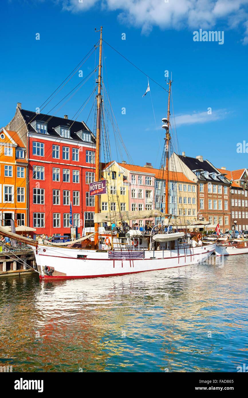 Copenhague, Dinamarca - Canal de Nyhavn Foto de stock