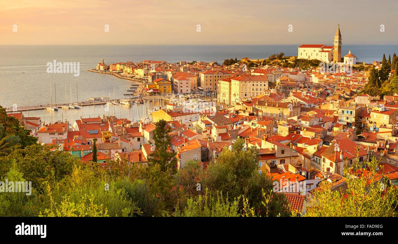 Ciudad vieja de Piran, Eslovenia Imagen De Stock