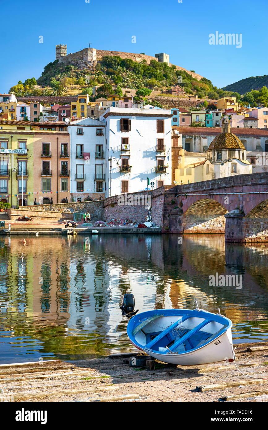 Casco Antiguo de Bosa, Cerdeña, Italia Foto de stock