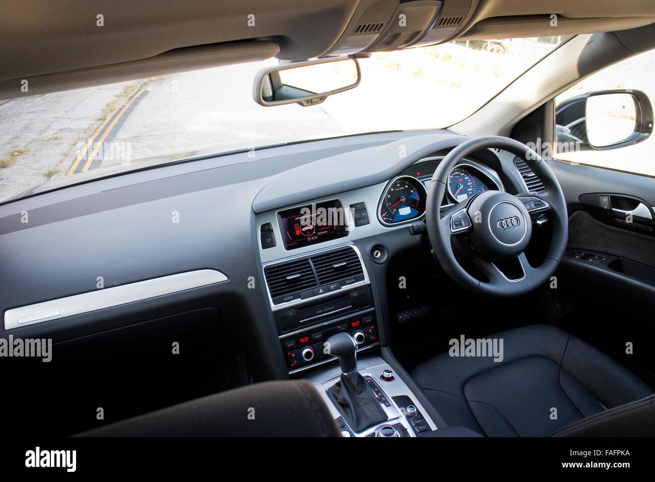 Audi Q7 Interior Fotos E Imagenes De Stock Alamy