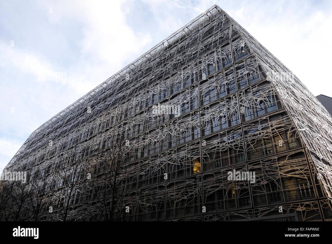 Metal decoración en estilo Art Nouveau, en el edificio del Ministerio de Cultura y Comunicación, París, Francia. Foto de stock
