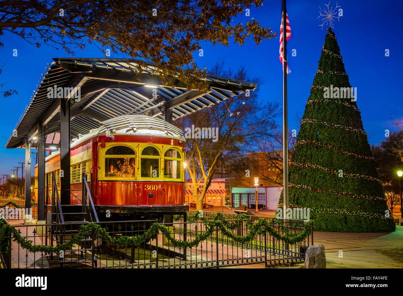 Tranvía restaurado en el centro de la ciudad de Plano, Texas Foto de stock