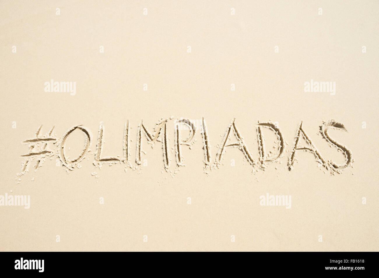 Río de Janeiro, Brasil - noviembre 10, 2015: Simple: Olimpiadas Olimpiadas [traducción] mensaje manuscrita con hashtag. Foto de stock