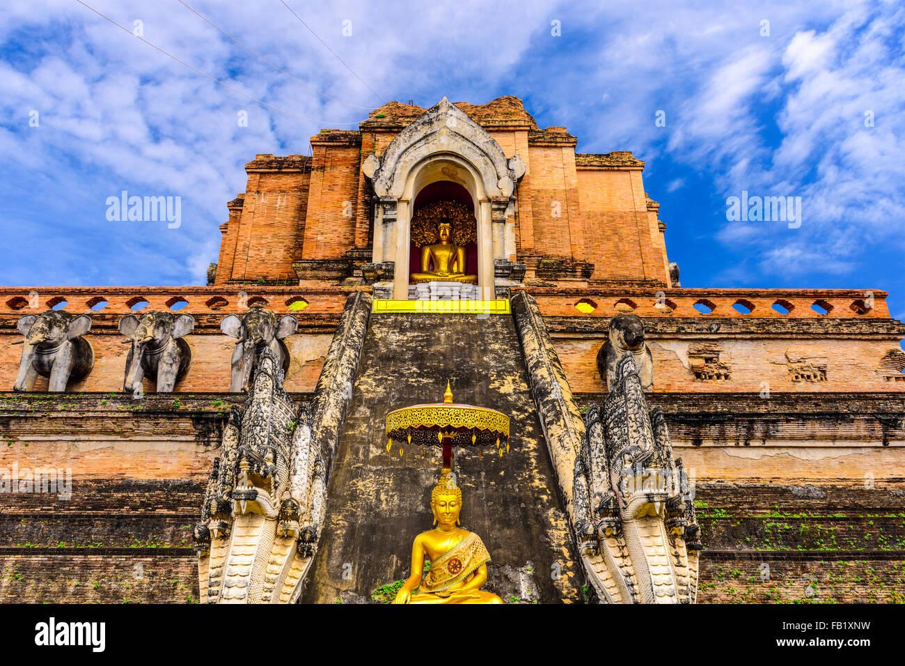 Chiang Mai, Tailandia, en Wat Chedi Luang. Imagen De Stock