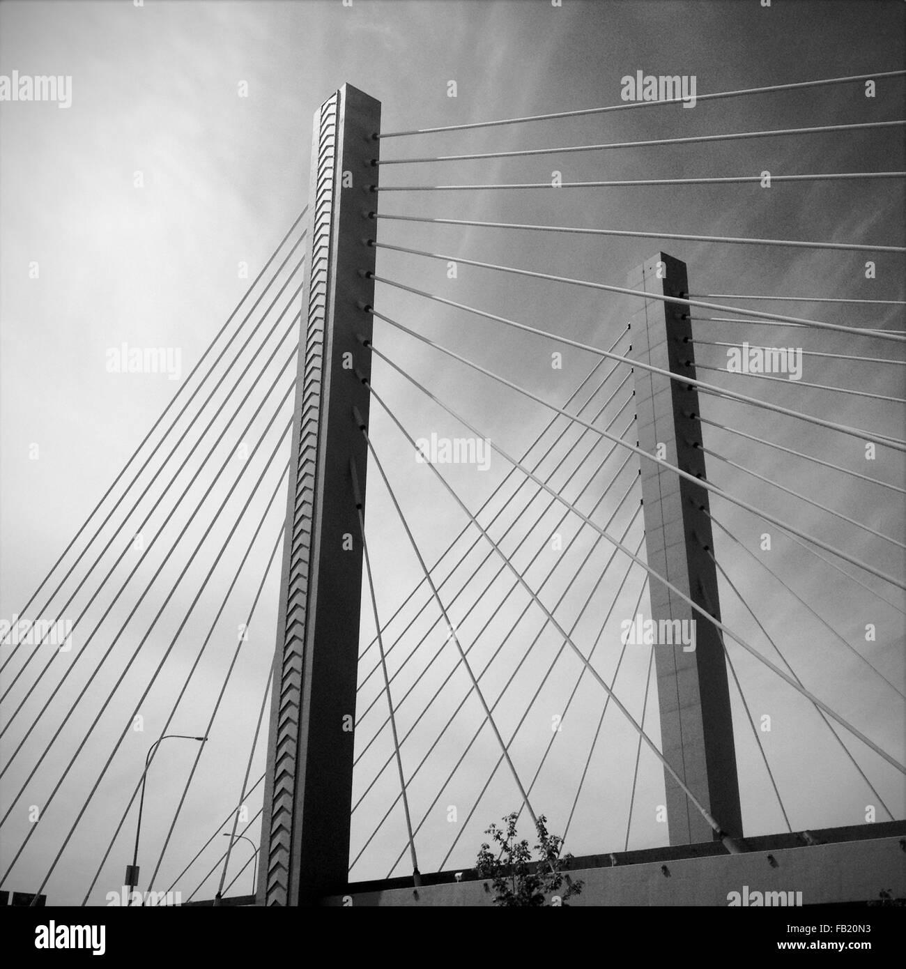 Puente colgante. Imagen De Stock