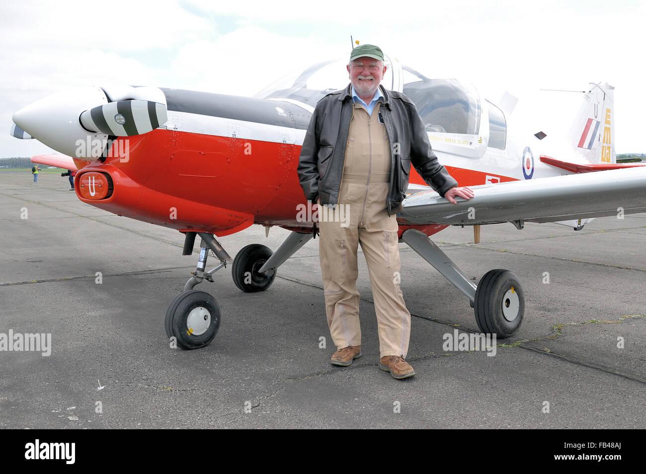Rod Dean ha sido mostrar las aeronaves civiles desde 1984, cuando se retiró de la RAF después de 21 años de servicio Foto de stock