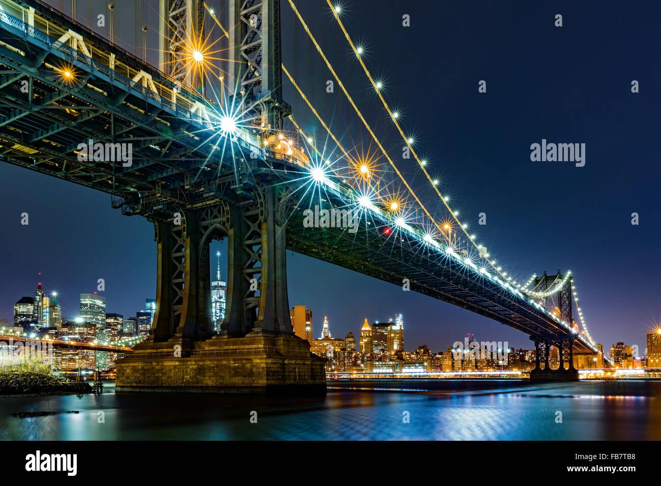 Pillars Of Bridge Imágenes De Stock & Pillars Of Bridge Fotos De ...